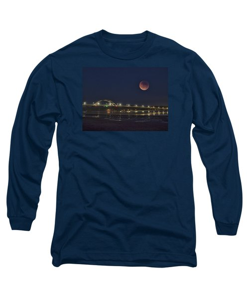 Blood Moon Over Alsea Bay Long Sleeve T-Shirt