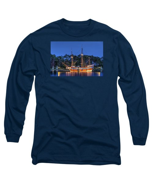 Elizabeth II At Dock Long Sleeve T-Shirt