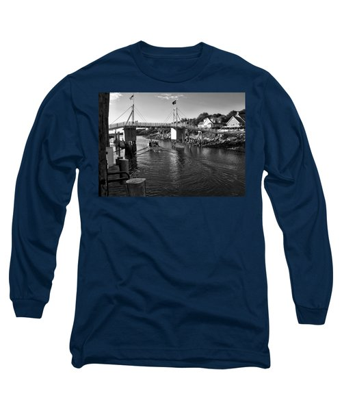 Heading To Sea - Perkins Cove - Maine Long Sleeve T-Shirt