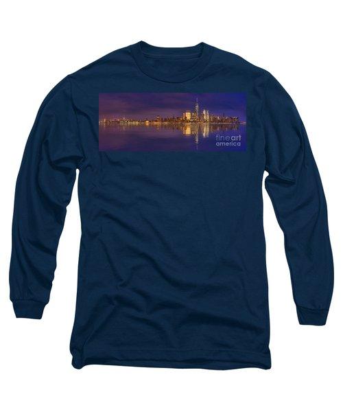 Manhattan, New York At Dusk Panoramic View Long Sleeve T-Shirt