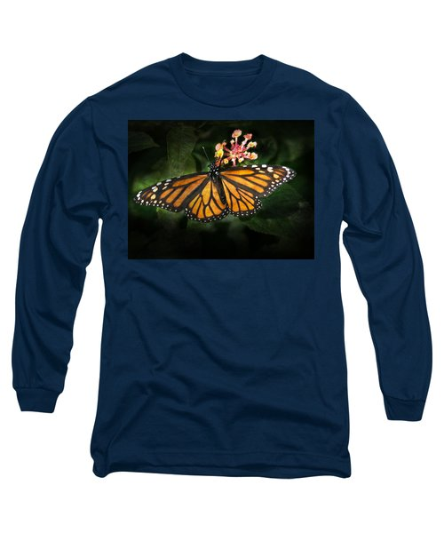 Monarch Butterfly On Lantana Long Sleeve T-Shirt