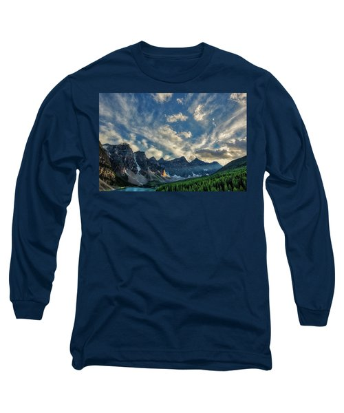 Moraine Lake Sunset - Golden Rays Long Sleeve T-Shirt