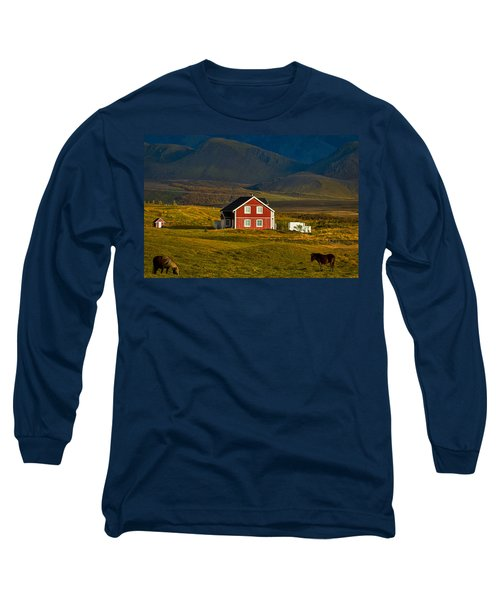 Red House And Horses - Iceland Long Sleeve T-Shirt