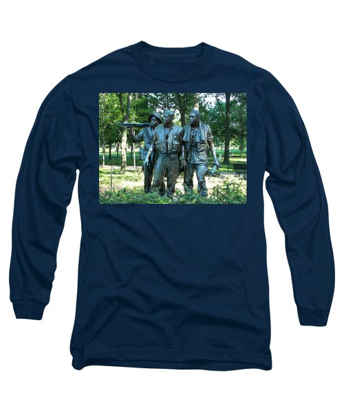 Vietnam War Memorial Statue Long Sleeve T-Shirt