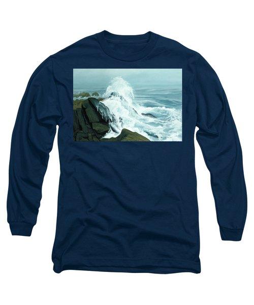 Surging Waves Break On Rocks Long Sleeve T-Shirt