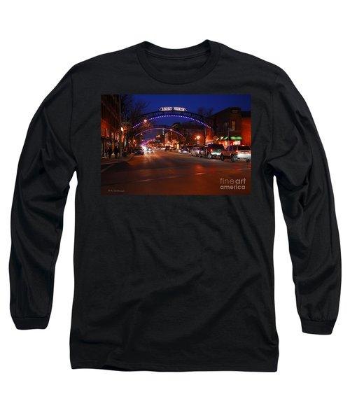 D8l353 Short North Arts District In Columbus Ohio Photo Long Sleeve T-Shirt
