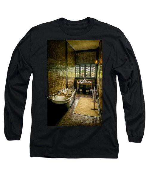 Victorian Wash Room Long Sleeve T-Shirt