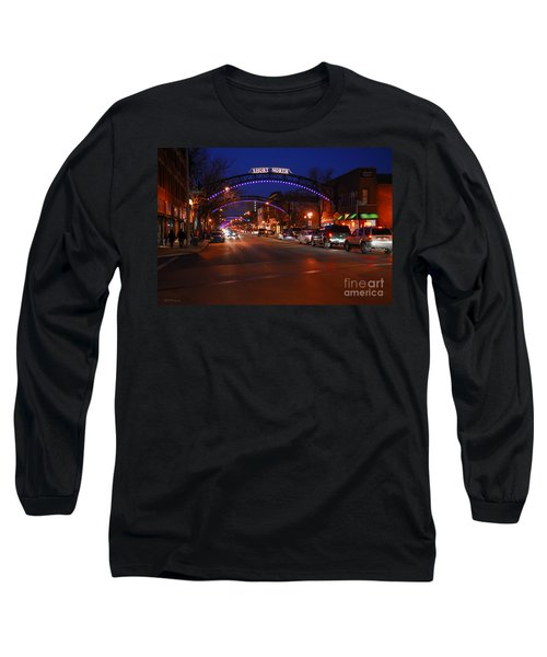 D8l-353 Short North Gallery Hop Photo Long Sleeve T-Shirt