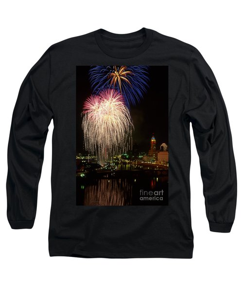 21l106 Red White And Boom Fireworks Photo Long Sleeve T-Shirt