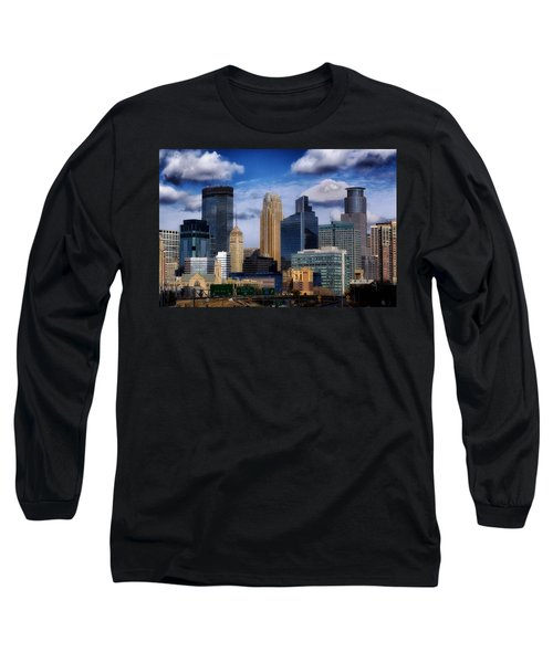 Minneapolis Skyline Long Sleeve T-Shirt