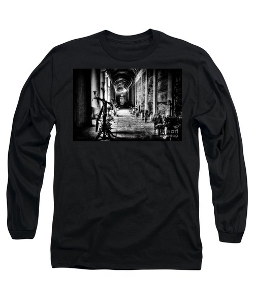 Cemetery Of Verona Long Sleeve T-Shirt