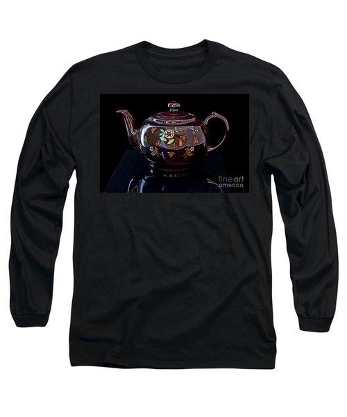 Antique Native American Teapot On Black Art Prints Long Sleeve T-Shirt