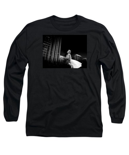 Art In Chicago Long Sleeve T-Shirt