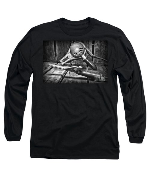 Barber - Vintage Hair Care In Black And White Long Sleeve T-Shirt