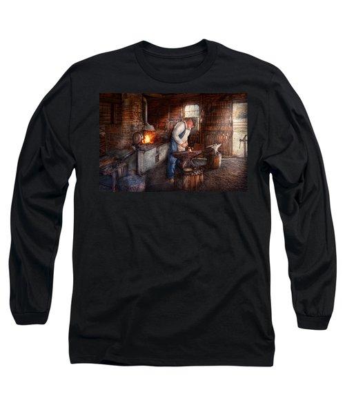 Blacksmith - The Smith Long Sleeve T-Shirt
