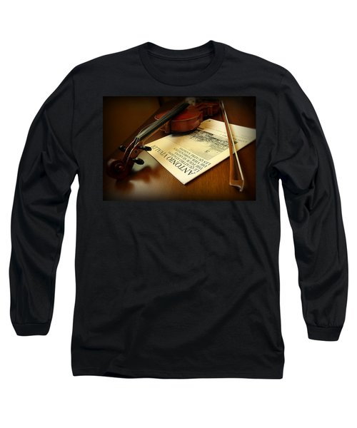 Long Sleeve T-Shirt featuring the photograph Broken String by Lucinda Walter