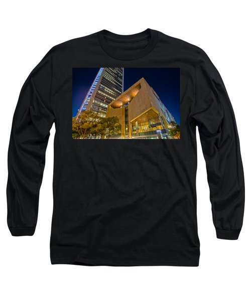 Buildings And Architecture Around Mint Museum In Charlotte North Long Sleeve T-Shirt