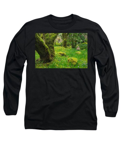 Long Sleeve T-Shirt featuring the photograph Butchart Gardens - Vancouver Island by Marilyn Wilson