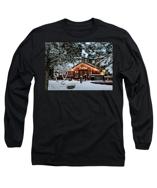 Cabin With Christmas Lights Long Sleeve T-Shirt
