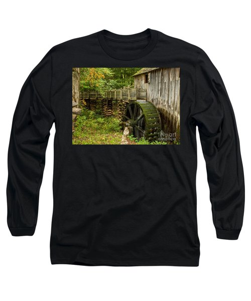 Cable Mill Cades Cove Long Sleeve T-Shirt