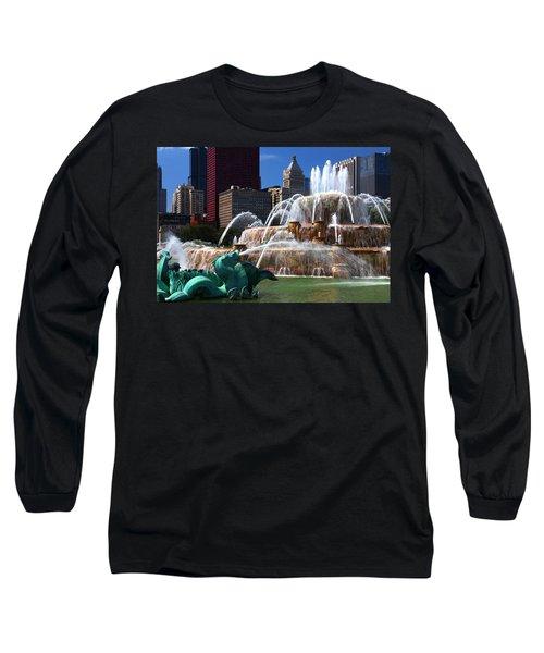 Chicago Skyline Grant Park Fountain Long Sleeve T-Shirt