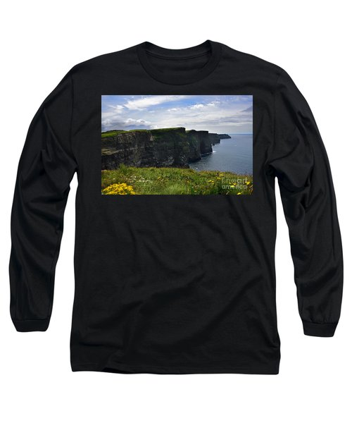 Cliffs Of Moher Looking South Long Sleeve T-Shirt by RicardMN Photography