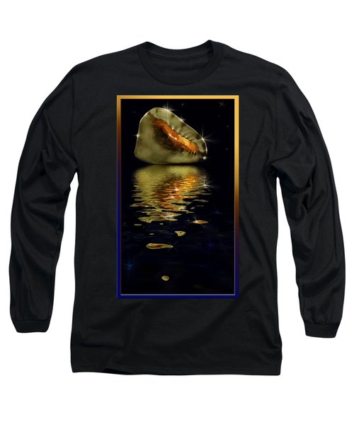 Conch Sparkling With Reflection Long Sleeve T-Shirt