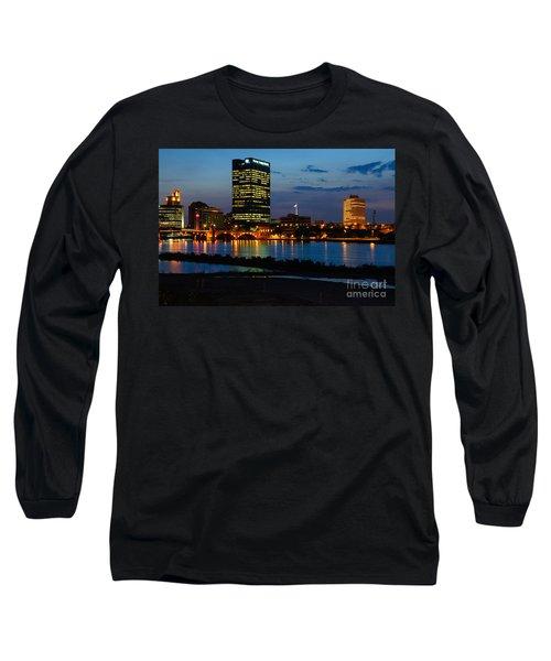 D12u152 Toledo Ohio Skyline Photo Long Sleeve T-Shirt