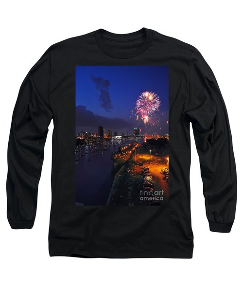 D12u470 Red White And Kaboom In Toledo Ohio Photo Long Sleeve T-Shirt