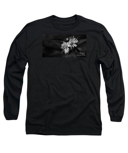 Dames En Noir Long Sleeve T-Shirt by Linda Shafer