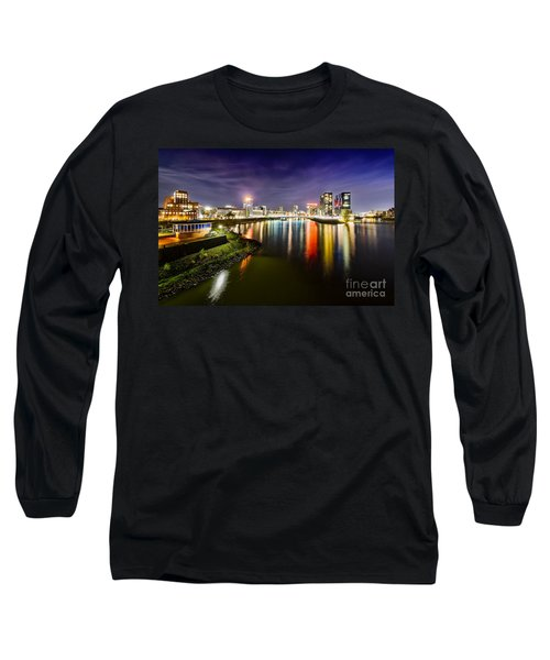 Dusseldorf Media Harbor Skyline Long Sleeve T-Shirt