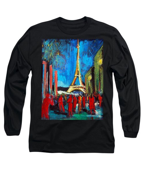 Eiffel Tower And The Red Visitors Long Sleeve T-Shirt