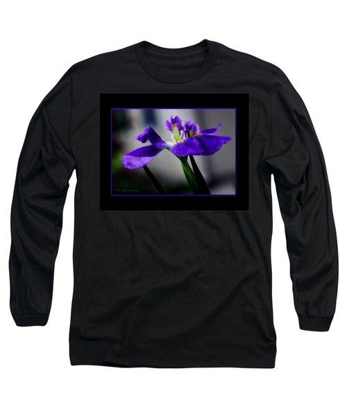 Elegant Iris With Black Border Long Sleeve T-Shirt