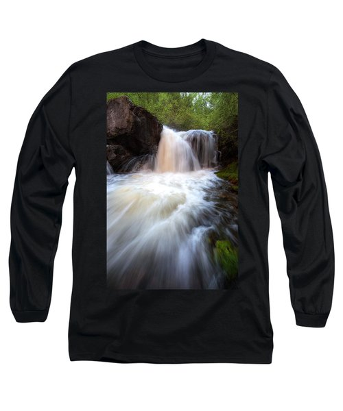 Long Sleeve T-Shirt featuring the photograph Fall And Splash by David Andersen