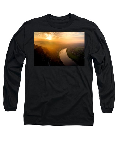 Foggy Sunrise At The Elbe Long Sleeve T-Shirt