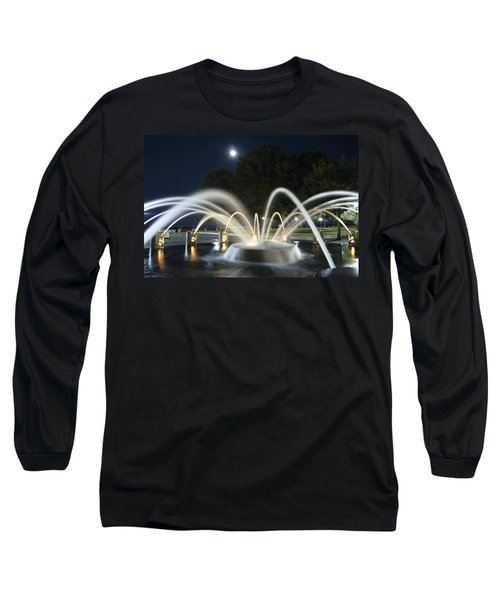 Fountain Charleston Waterfront Park Long Sleeve T-Shirt