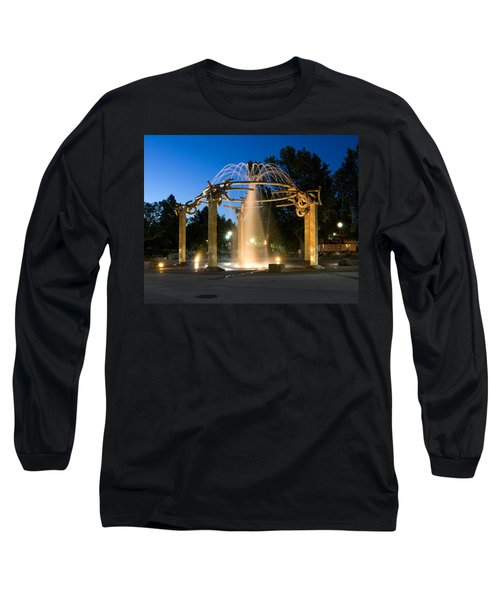 Fountain In Riverfront Park Long Sleeve T-Shirt