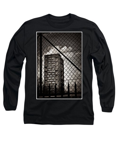 Gritty London Tower Block And Fence - East End London Long Sleeve T-Shirt