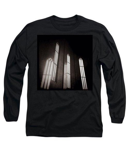 Hallgrimskirkja Windows Long Sleeve T-Shirt