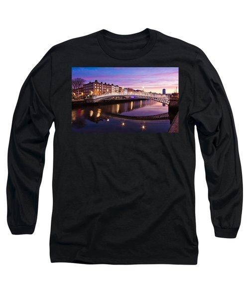 Hapenny Bridge At Dawn - Dublin Long Sleeve T-Shirt
