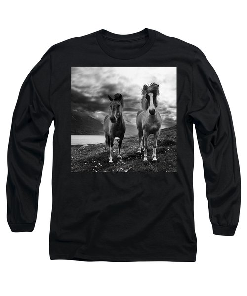 Icelandic Horses Long Sleeve T-Shirt by Frodi Brinks