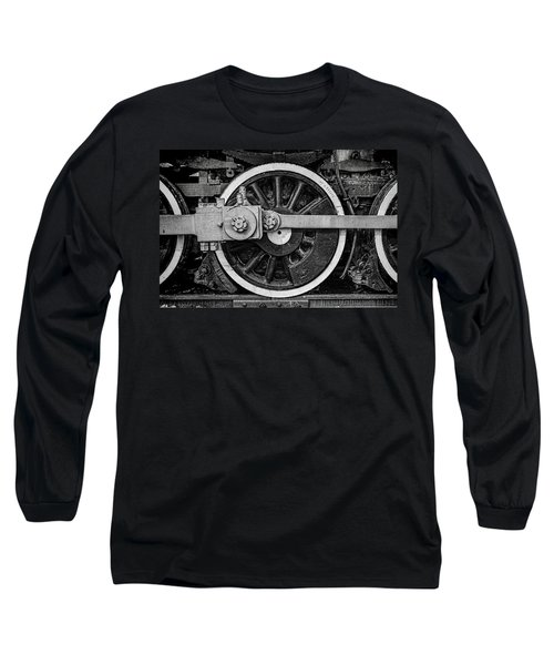 Long Sleeve T-Shirt featuring the photograph In The Middle by Ken Smith