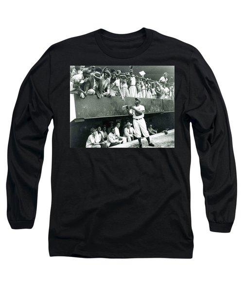 Jackie Robinson Signs Autographs Vintage Baseball Long Sleeve T-Shirt