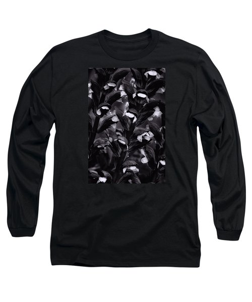 Long Sleeve T-Shirt featuring the photograph Light In The Dark by Edgar Laureano