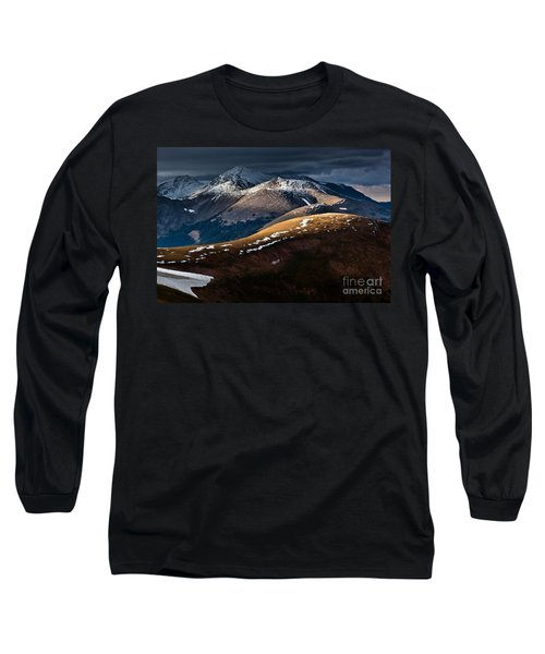 Looking To The Rawahs Long Sleeve T-Shirt