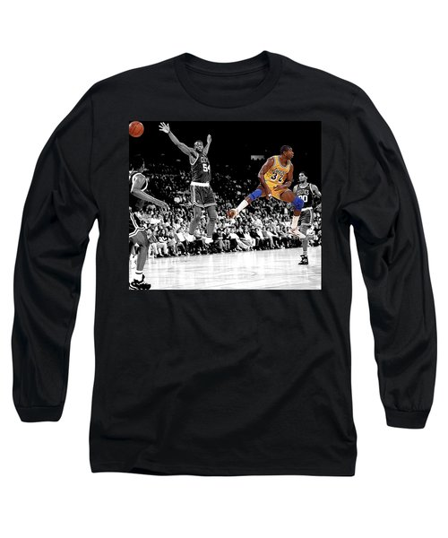 No Look Pass Long Sleeve T-Shirt by Brian Reaves