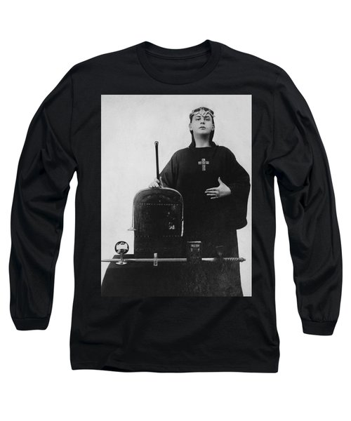 Occultist Aleister Crowley Long Sleeve T-Shirt