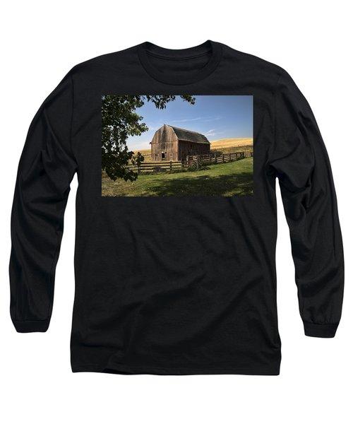 Old Barn On The Palouse Long Sleeve T-Shirt