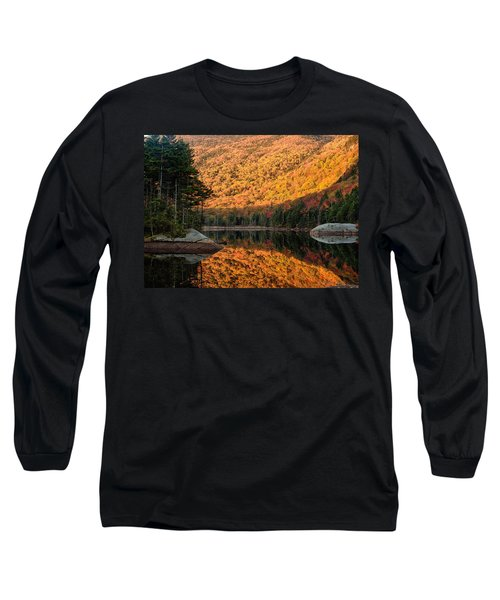 Long Sleeve T-Shirt featuring the photograph Peak Fall Foliage On Beaver Pond by Jeff Folger