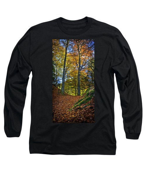 Red Carpet In Reelig Glen During Autumn Long Sleeve T-Shirt